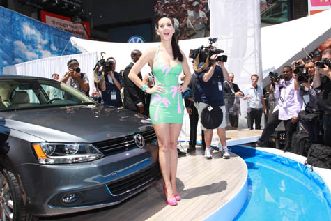 katy-perry-at-times-square-volkswagen-jetta-launch