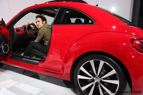 pete-wentz-celebrates-the-arrival-of-the-21st-century-volkswagen-beetle